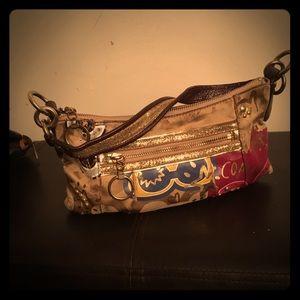 Very beautifull coach purse